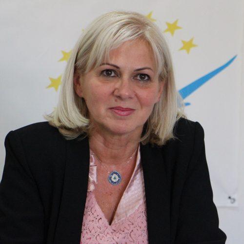 """Deputatul Cornelia Negruţ: """"ALDE este primul partid politic care propune un program concret pentru relansarea sportului românesc"""""""