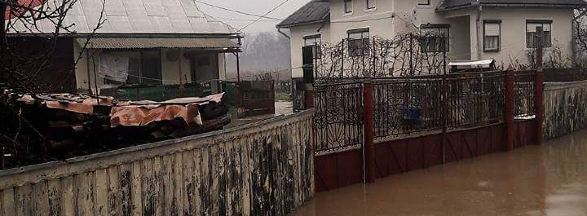 Au fost INUNDATE 10 anexe GOSPODĂREȘTI la Giulești
