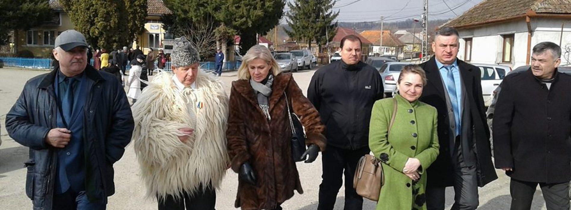 COMEMORARE. ALDE Maramureș, la bustul lui Gheorghe Pop de Băsești