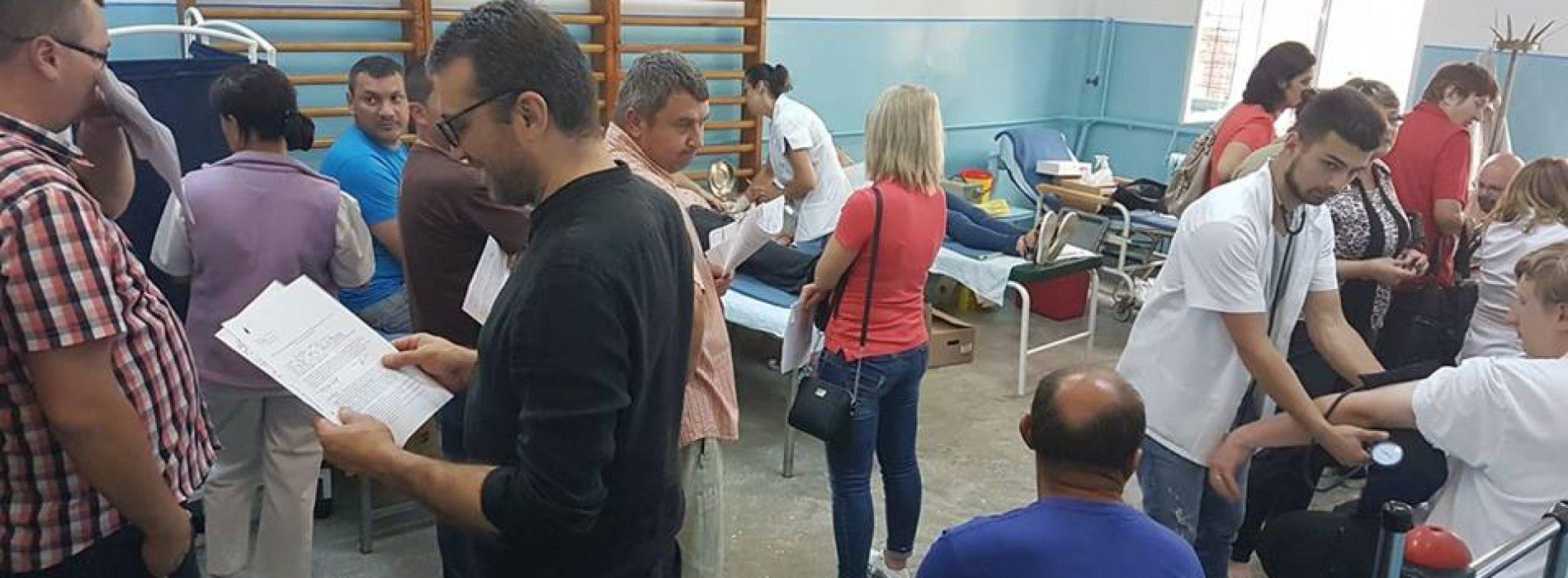 """Vasile Vlașin: """"Dorim să formăm o GENERAȚIE de DONATORI de sânge"""". Asociația Părinți Salvatori continuă campania județeană de donare. Azi, Vișeu de Sus"""
