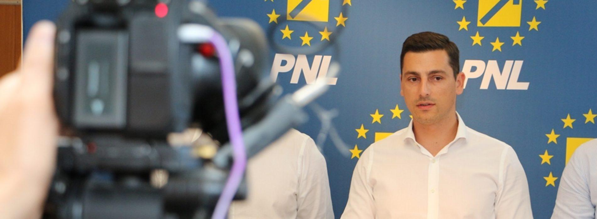 Pumnul în gură este noua politică a PSD în Parlament. Rectificare bugetară, fără avizul CSAT