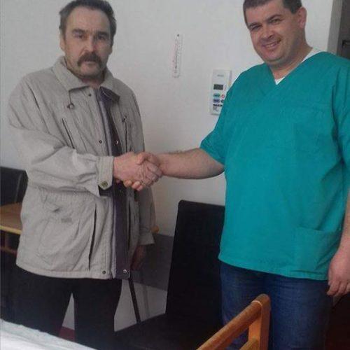 Bărbatul cu TUMORA GIGANT extirpată A IEȘIT DIN SPITAL CU BINE