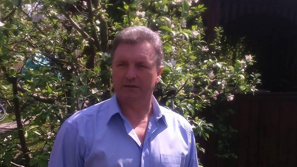 """VIDEO. Candidatul """"PROSTITUAT"""". Dorin Sabo (independent) A PUPAT MÂNA PIRANDELOR până a fost dat afară de la un chef"""