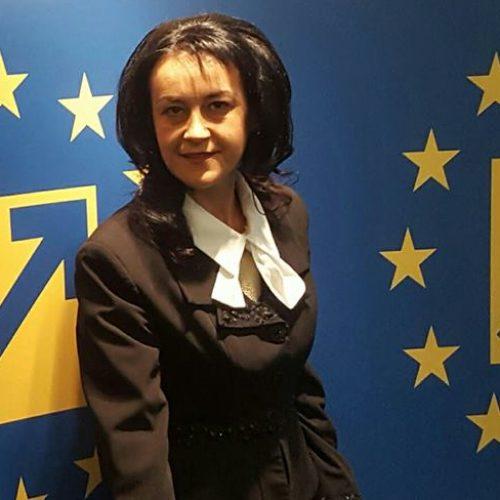 Cu mai MULTE VOTURI CA BUȘOI, Daniela IVAȘCU, în Curtea de Onoare și Arbitraj a PNL!