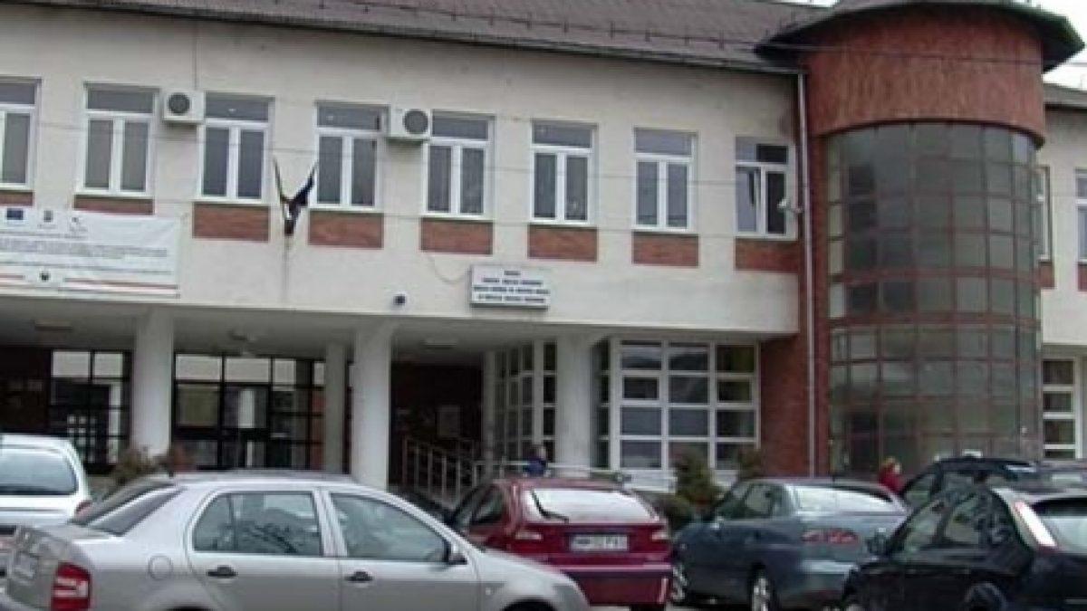 ANCHETĂ a Consiliului Județean la clădirea cu TAVANUL SURPAT care a ucis un bătrân