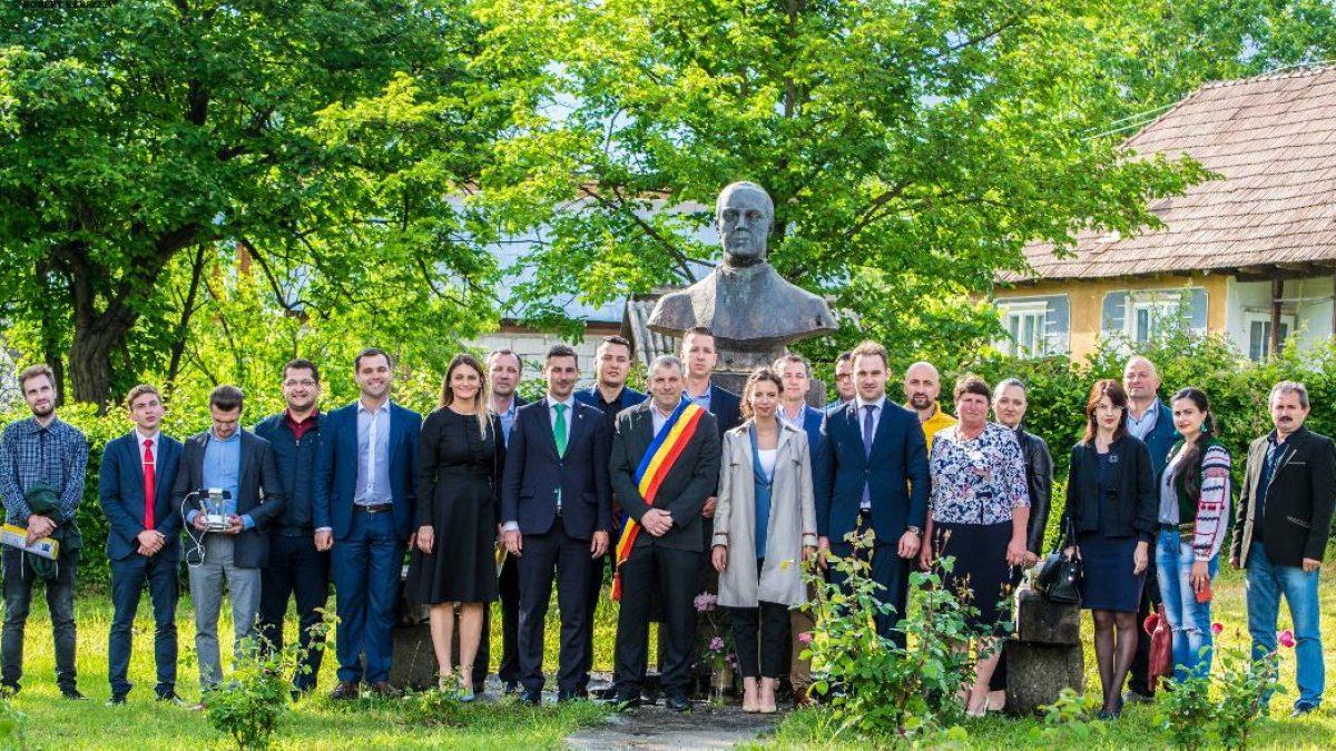 Deputatul Mara Mareș, ALĂTURI de tinerii liberali maramureșeni de Ziua Eroilor