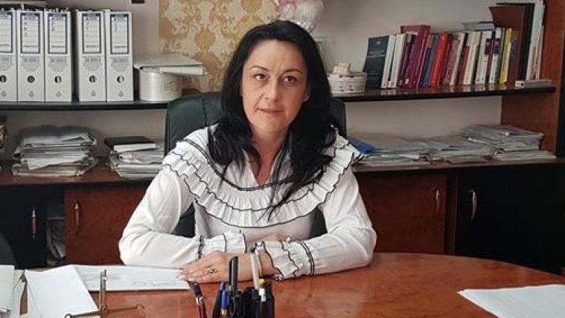 """REACȚIE. """"Liviu Dragnea trebuie să-și dea urgent DEMISIA"""", este de părere Daniela Onița-Ivașcu, președinte PNL Sighetu Marmației"""