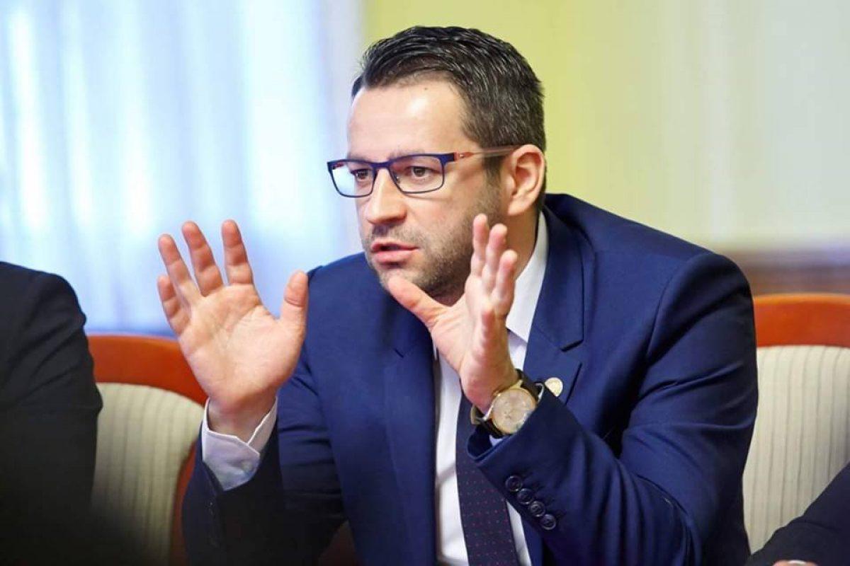 """Deputatul Adrian Todoran: """"Guvernul vrea să cedeze DREPTUL de exploatare a zăcămintelor din Marea Neagră, PE BANI DE NIMIC""""."""