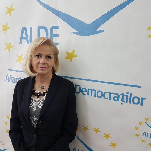"""Cornelia Negruț (ALDE): """"Bancile plasează depozitele in titluri de stat, remunerate tot din buget, din banii contribuabililor si nu fac aceste operatiuni de intermediere bancara"""""""