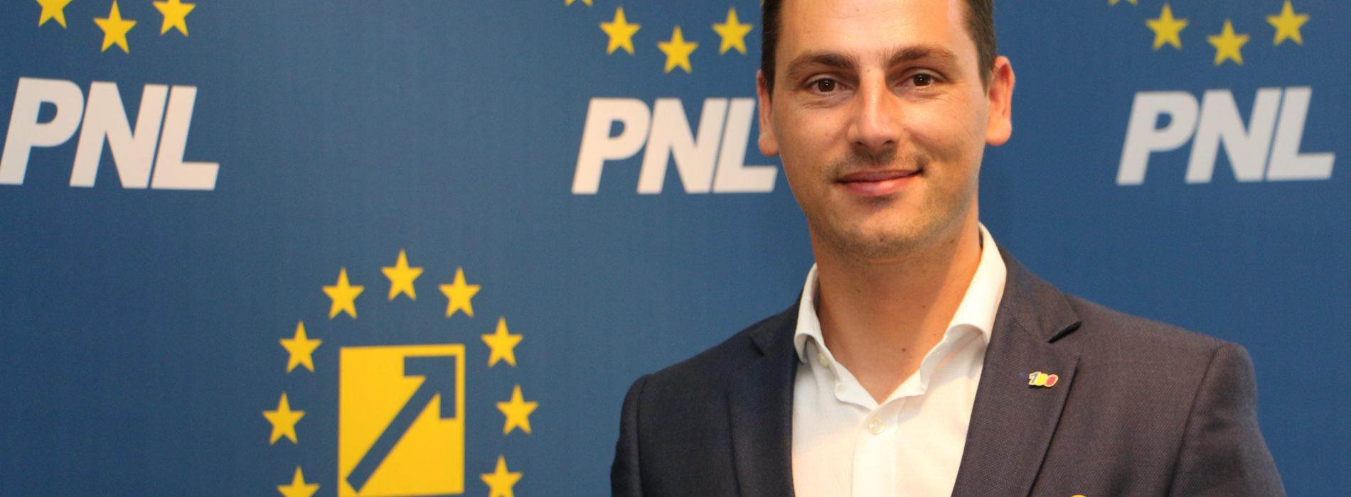"""Ionel Bogdan (PNL): """"Coaliția de guvernare ARUNCĂ țara în haos. Vom plăti mai mult pentru gaz, curent, telefonie și internet"""""""