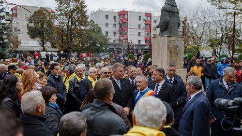 PSD, o piatră de moară legată la gâtul României. Iohannis și PNL vor să pună țara pe picioare
