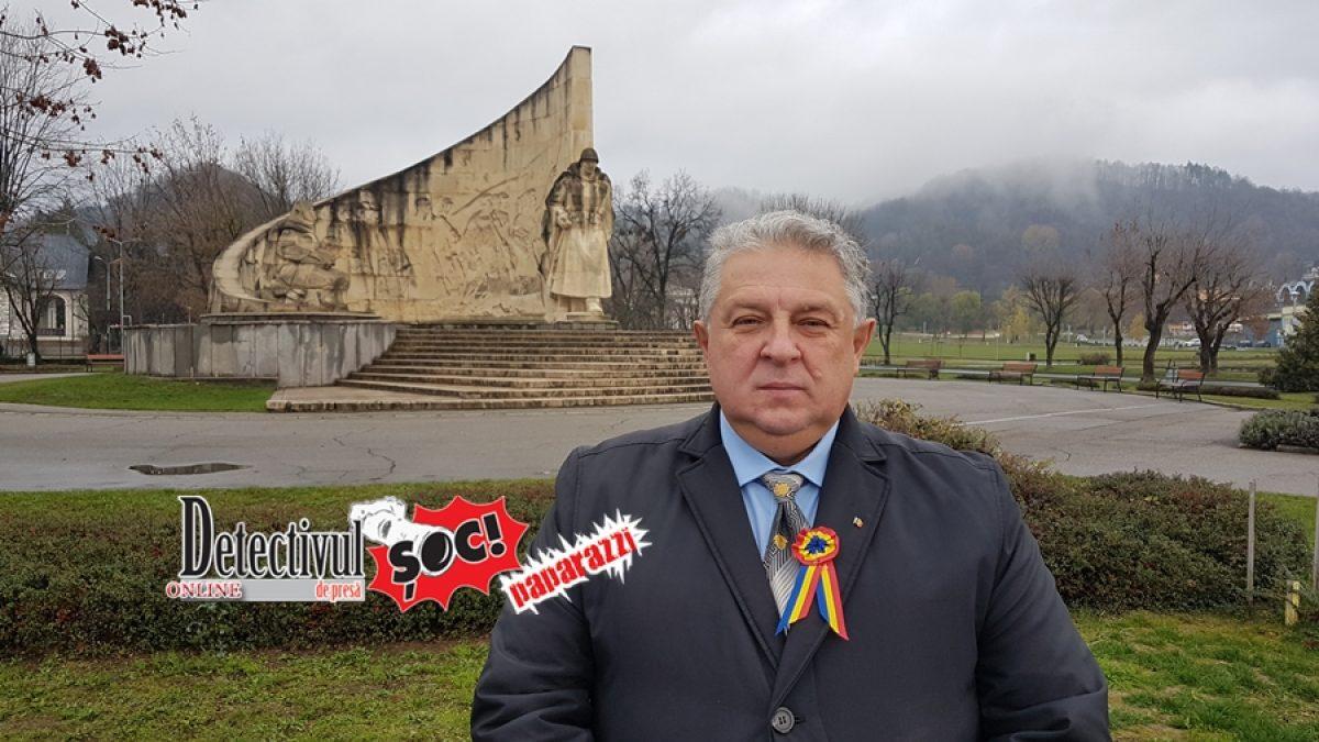 """ZIUA NAȚIONALĂ. Mihai – Felician Cerneștean, secretar general PNL Maramureș: """"Eroii zilelor noastre sunteți voi, cei care vă duceți la serviciu și copiii la școală"""""""
