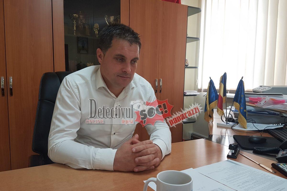 Cavnic, BILANȚ. INVESTIȚII record fără ÎMPRUMUTURI și fără DATORII. Edilul Vladimir Petruț a găsit CHEIA SUCCESULUI în administrație