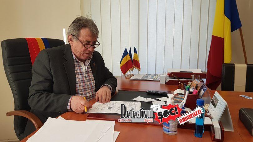 FABULOS! Ascultați ce RECOMPENSĂ a pus primarul Ioan Mătieș din Mireșu Mare pe CAPUL celor care aruncă GUNOAIE. Aceștia se pot trezi CITIȚI la biserică și cu POZA pe lăcașul de cult!