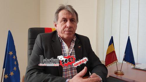 VIDEO exclusiv. Primarul Ioan Mătieș TAIE ajutoarele sociale PUTORILOR din comună care nu vor să MUNCEASCĂ. ȘOC! Unii au preferat să se MUTE!