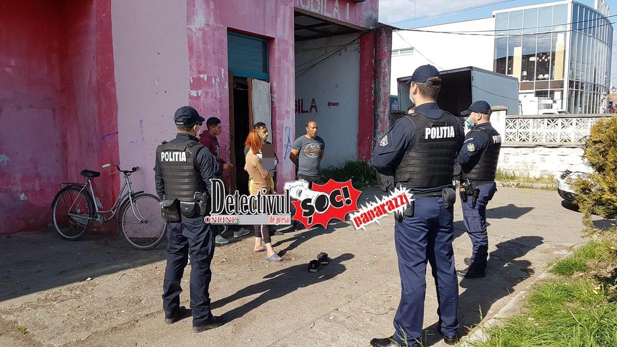 """Video. SFIDARE. Cu BOXELE în fața clădirii și MUZICĂ la maxim. DANS, """"trotuar"""" și copii minori EXPUȘI. """"Îți sparg telefonul"""". Polițiștii i-au """"SPART"""" cu amenzi"""