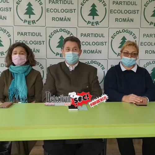 """""""Nu lăsați pădurile să piară, un arbore sădiți și îngrijiți pentru că doar așa putem să fim fericiți!"""""""
