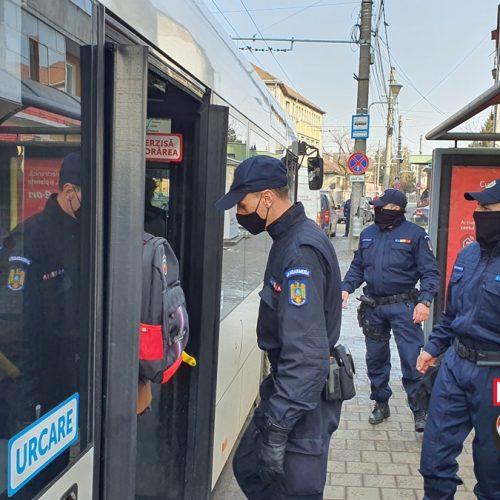 Polițiștii și jandarmii ÎN CONTROL. Oamenii nu mai CRED în măsurile AUTORITĂȚILOR. Detectivul a luat PULSUL problemelor