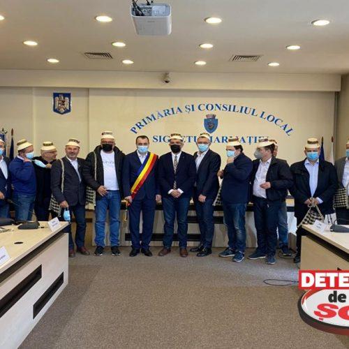 La invitația senatorului social-democrat Sorin Vlașin, 19 senatori din Grupul Parlamentar PSD efectuează o vizită în Maramureșul Istoric